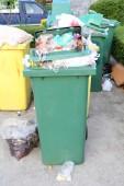 Müll rein bin — Stockfoto