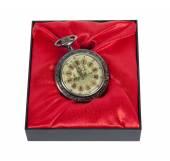 Hediye kutusunda faux antika saat — Stok fotoğraf