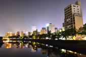 パノラマの景色を夜広島市, 日本 — ストック写真