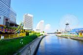 Yokohama cosmoworld panoramiczny widok na most, japonia — Zdjęcie stockowe