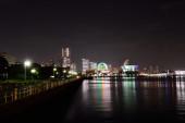 Panoramiczny widok w nocy yokohama city, japonia — Zdjęcie stockowe