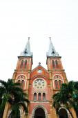 The cathedral Notre Dame de Saigon — Stock Photo