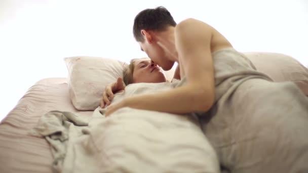 Видео муж с женой беременной в постели фото 531-852