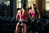 Athlete dumbbell row — Stockfoto