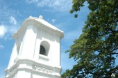 Bell tower with blue sky in temple — Foto de Stock