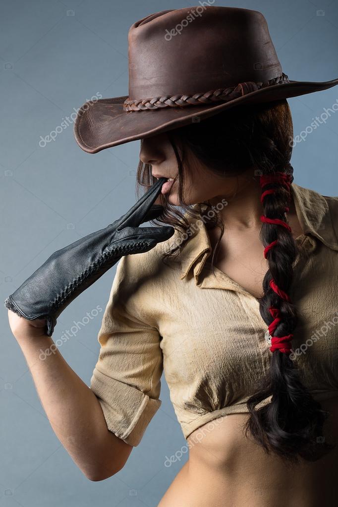 Фото девушек в ковбойской шляпе 14 фотография