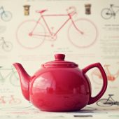 Red Teapot on table — Stock Photo