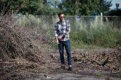 Man posing in selvedge  jeans — Stock Photo