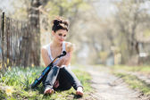Beautiful girl with a violin in his hands — Stock Photo