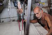 Weaving Khadi Dhothi — Stock Photo
