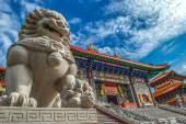 Lion statue at Wat Borom Racha Kanchana Phisake — Stock Photo
