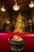 Interior of Wat Rachapradit temple — Stock Photo
