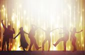 Dancing people silhouettes with background — Stock Vector