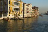 Sea view on Venice grand channel at the morning with historical architecture and on basilica della salute at the horizon in Italy — Stock Photo