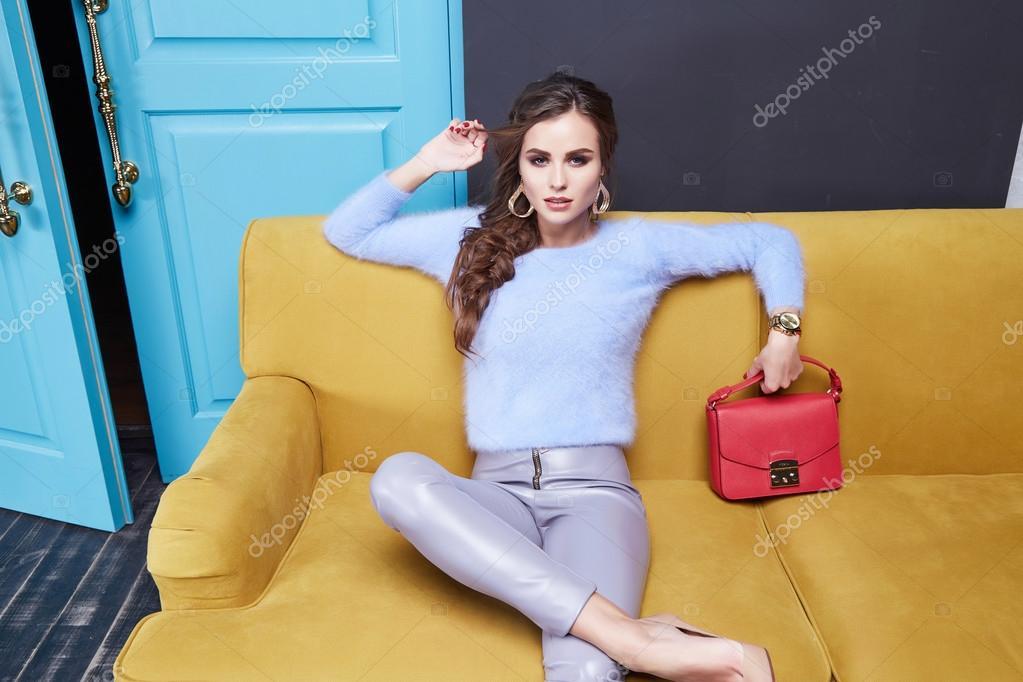 Женская одежда и косметика