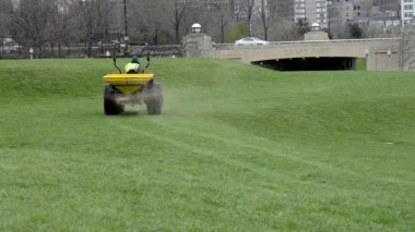 Tractor Seeds Lawn — Stock Video