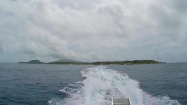 Boat Wake with Virgin Gorda in the distance — Stock Video