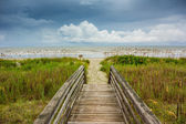 Dune Walkway Looking Onto Cloudy Ocean — ストック写真
