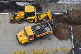 Dump truck and tractor p4 — Zdjęcie stockowe