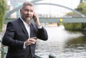 Businessman on the phone — Stock Photo
