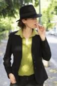 Woman smoking — Stock Photo