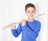 Niño con flauta — Foto de Stock