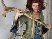 Kobieta, ubrana jak czarownica — Zdjęcie stockowe