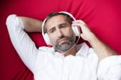 Mann mit kopfhörer — Stockfoto
