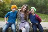 Teenage girl and two boys — Foto de Stock