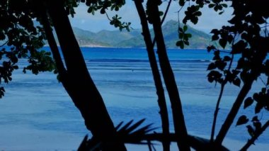 Exotic dream - Beach on island La Digue in Seychelles. — Stock Video