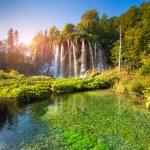 Beautiful rock with a waterfall — Stock Photo #53807765