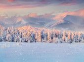 Winter sunrise in the mountains — Stock Photo