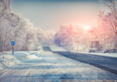 Winter landscape with a highway. — Stock Photo