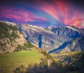 Dramatic sunset on the Col de la Bonette pass — Stock Photo