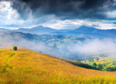 Mountains before the storm — Stock Photo