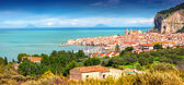 Sunny morning panorama of the town Cefalu — Stock Photo