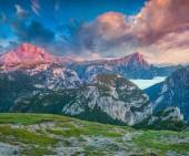 Sunrise on the Seekofel mountain range — Stock Photo