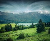 Misty summer morning on Bohinj lake — Stock Photo