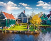 Authentic Holland architecture in Zaanstad — Stock Photo