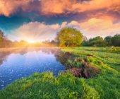 Summer sunrise on the lake — Stock Photo