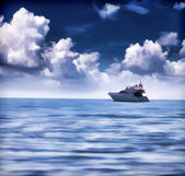 Summer seascape with luxury yacht — Stock Photo