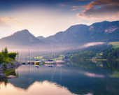 Colorful summer morning on the Grundlsee — Stock Photo