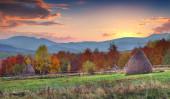 Sunset in the mountain village — Stock Photo