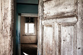 Abandoned building in Kolmanskop, ghost town — Foto Stock