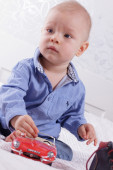 Portrait of blue-eyed toddler — Stock Photo