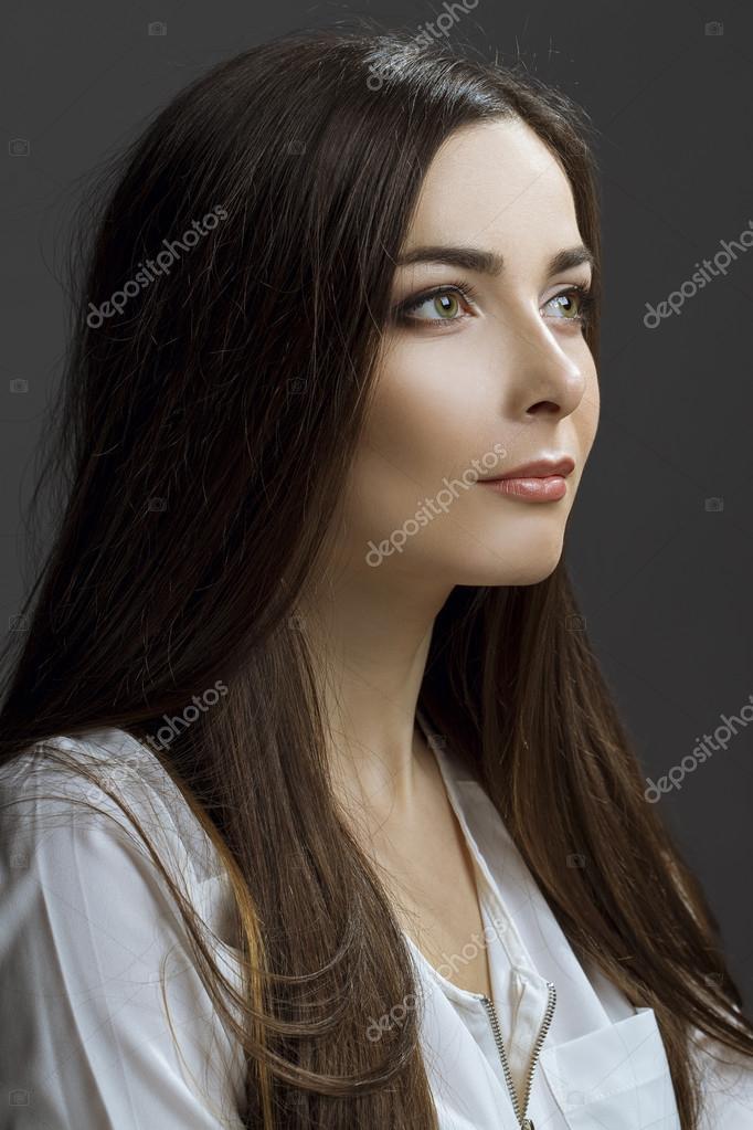 Sexy Brunette Teen Masturbates