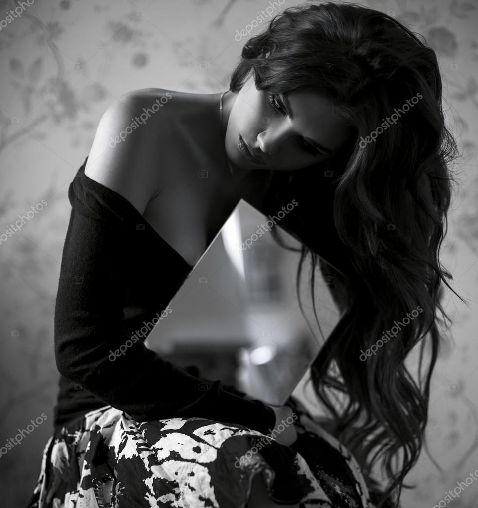 Vackra sexiga mode kvinna atr porträtt. sensuell tjej med makeup ...
