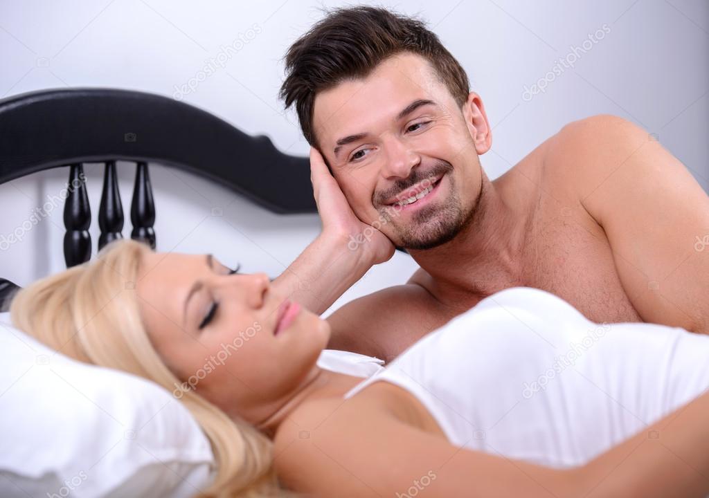 Смотрю на жену в постели смотреть онлайн фотоография