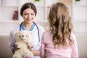 Little girl in a doctor — Stockfoto