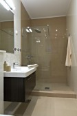 Modern house bathroom — Stockfoto